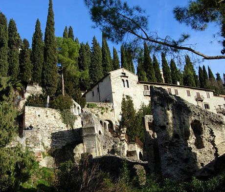 Storia di Venezia - Suggestivo scorcio delle Mura di Verona