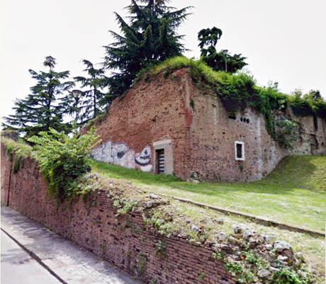 Storia di Venezia - Moderno degrado di un Bastione di Verona